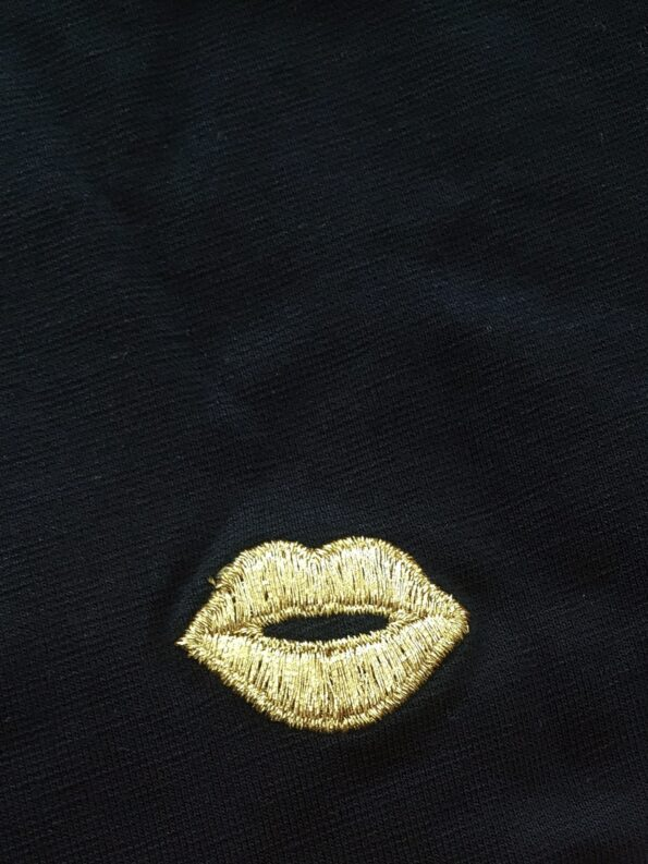 20038C embroidery
