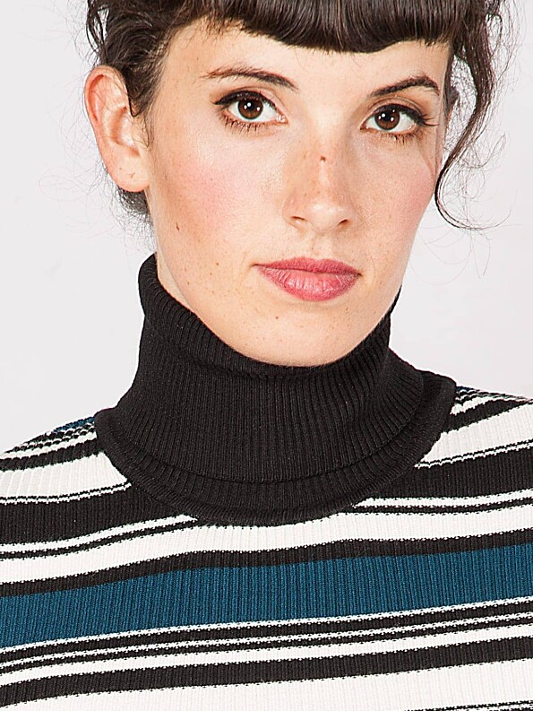 Vanessa-Turtleneck-Stripes3